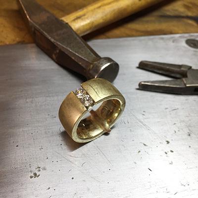 Schmuck Reparatur - Einsetzen und Verlöten